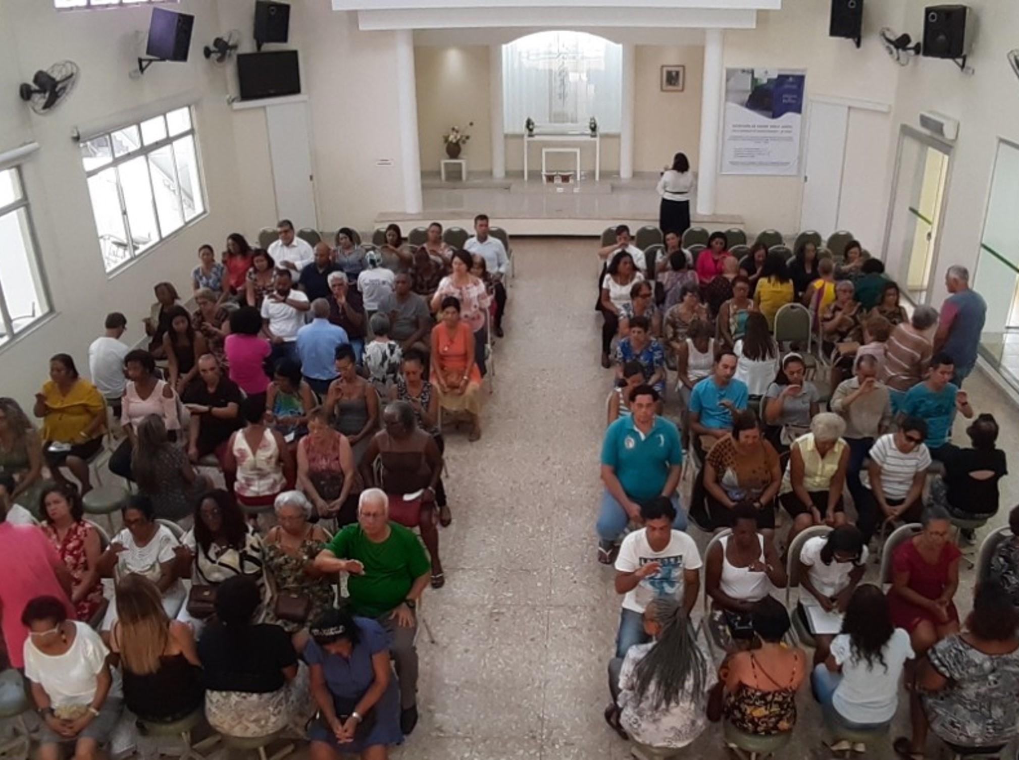Igreja Garcia (BA) realiza reunião semanal de Johrei com a presença de ministros